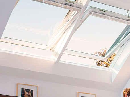 Окно Velux Integra в потолке с дистанционным управлением